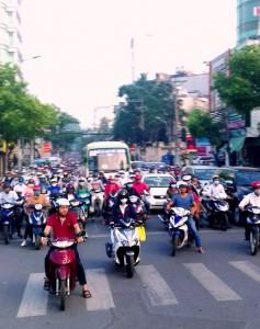 Street scene Saigon - 2-wheelers galore
